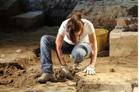 Archeologi-volontari-scavi