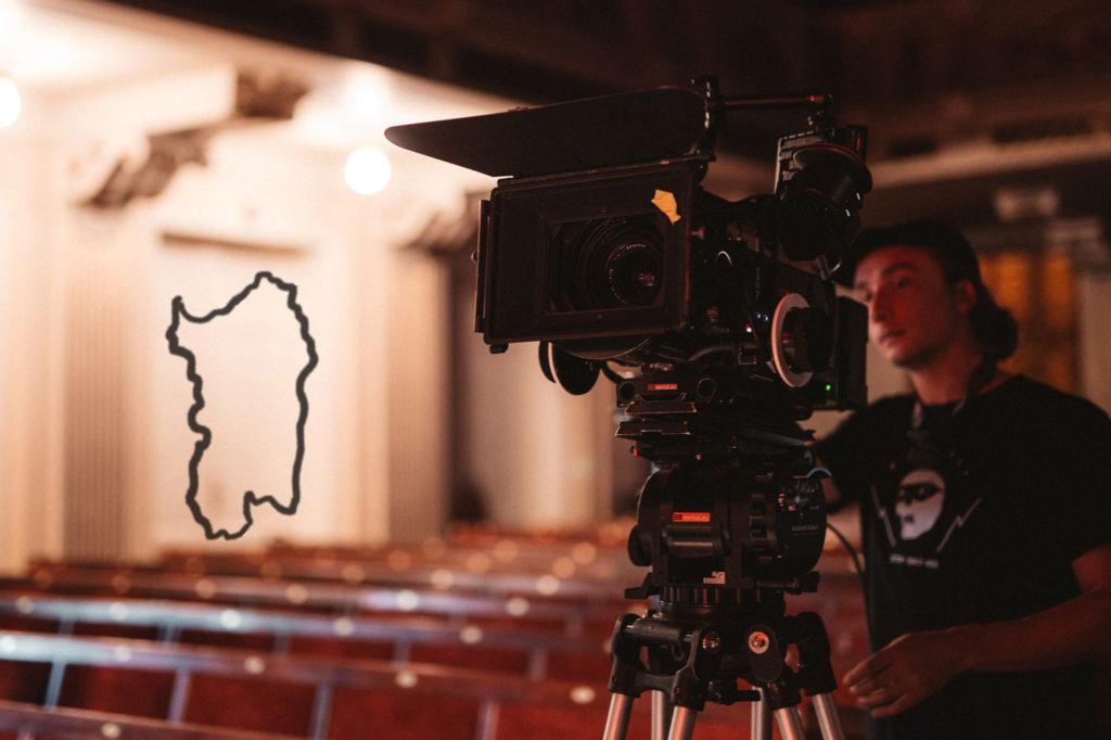 Portare il Cinema in Sardegna - Immagine rappresentativa di un Cameraman.