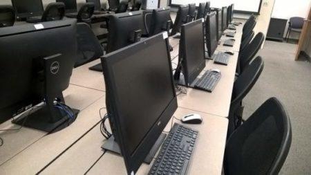 Postazione PC Università Carbonia.